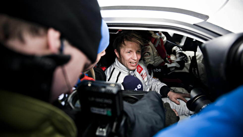 BYTTET PLASS: Petter Solberg ble fratatt førerkortet, dermed måtte kartleser Chris Patterson overta rattet.Foto: BENJAMIN A. WARD