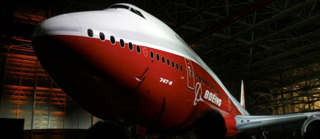 GIGANT: Boeing 747-8 Intercontinental er det største flyet bygd av Boeing noen sinne. Foto: MICHAEL O'LEARY/AP/SCANPIX