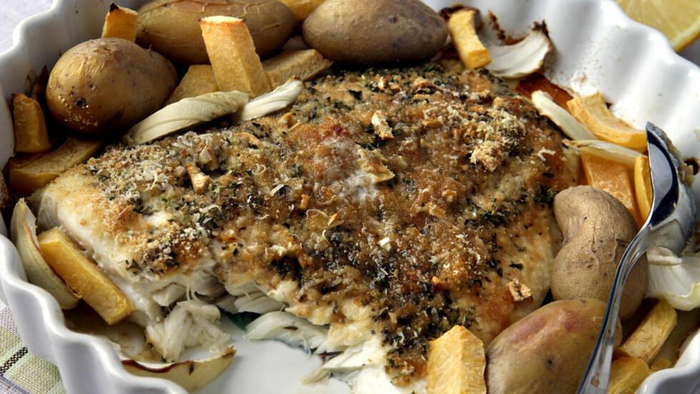 Seilivet: Mens torsk er penger, er sei hverdag. Seien tåler røff behandling og er ikke redd for store smaker. Det er bare åpeise på. Her er bakt seifilet med parmesansmuler. Foto: Mette Randem.