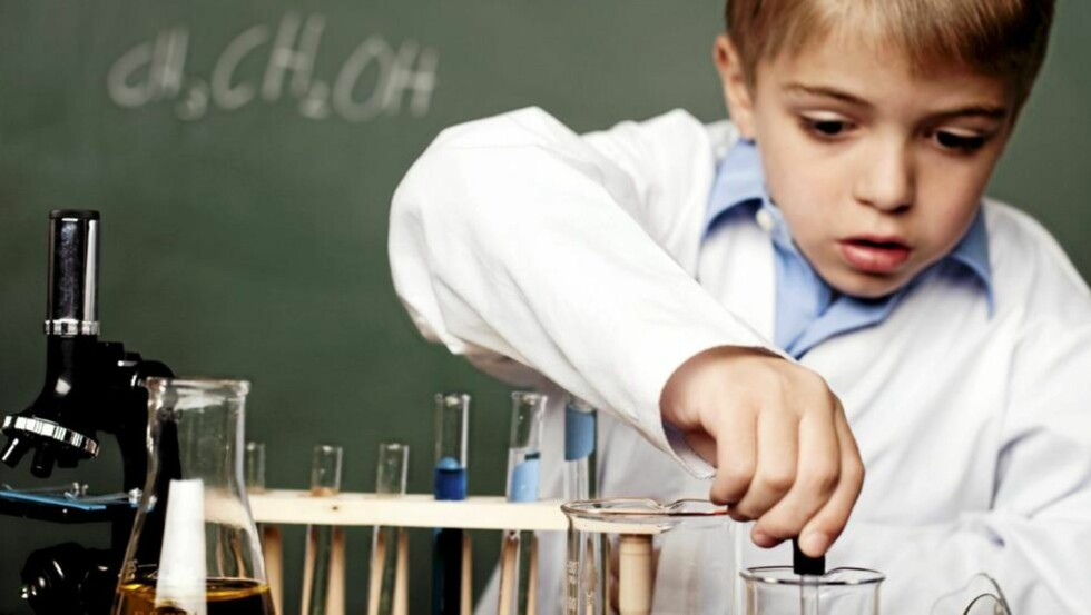 SMARTE BARN: Barnets hjerne utvikler seg særlig mye de to første årene. Da kan kostholdet ha mye å si. Illustrasjonsfoto: iStockphoto