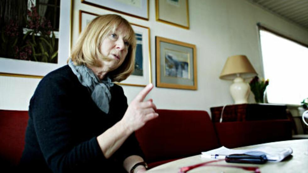 TRENGER RO: - Vi trenger ro og vi ønsker å bli en del av kommunen igjen. Vi orker ikke et nytt firma nå, sier sykepleier Birgit Rekvig Berg. Foto: NINA HANSEN/DAGBLADET