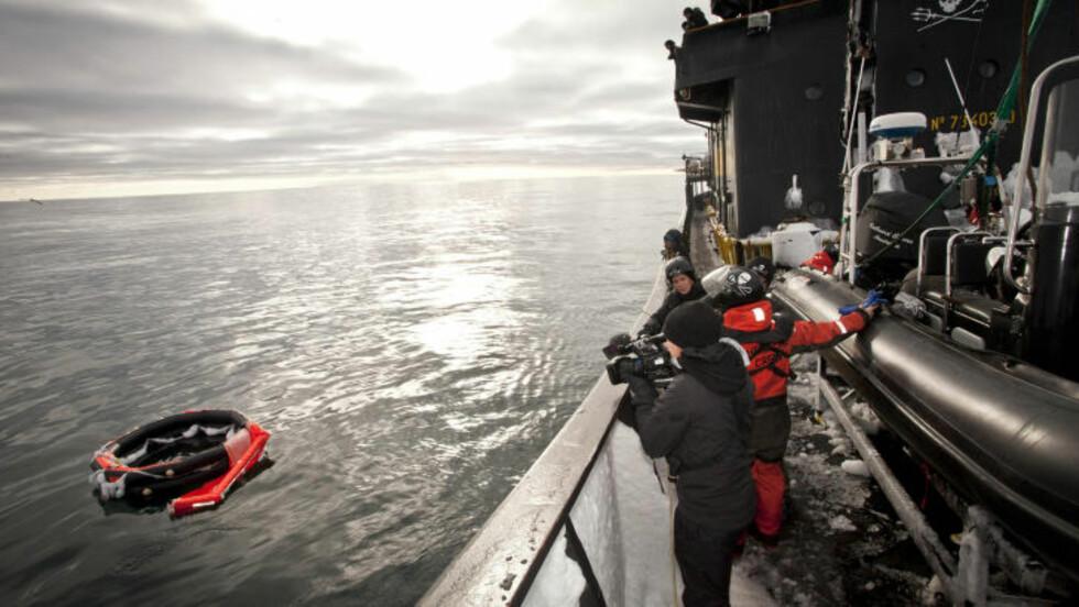 SØKER VIDERE: Begge søkeskipene vil fortsette søket etter de savnede nordmennene og båten Berserk. Foto: Barbara Veiga / Sea Sheperd