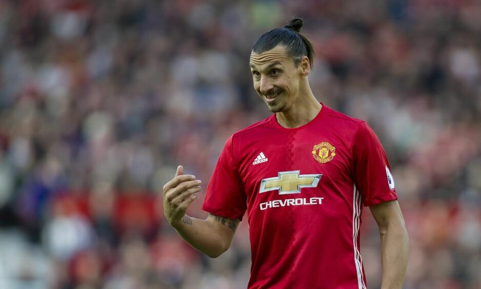 DYRT: Zlatan Ibrahimovic og resten av Manchester United-laget er nå det dyreste klubblaget gjennom tidene. Foto: EPA/PETER POWELL/NTB Scanpix