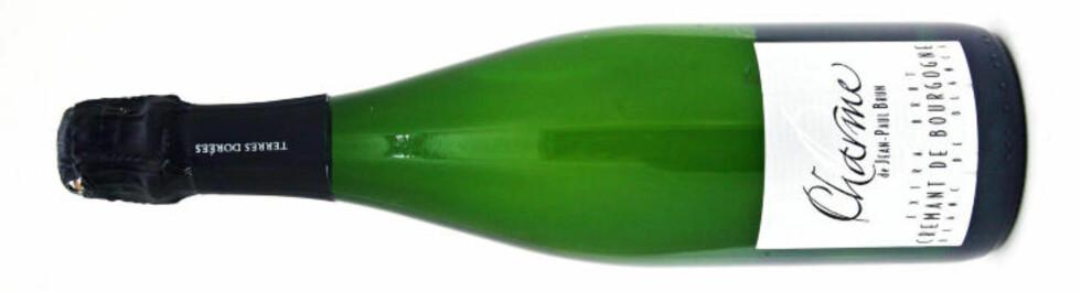 MUSSERENDE: Brun Crémant de Bourgogne Charme Blanc de Blancs Extra Brut. God erstatter for champagne.