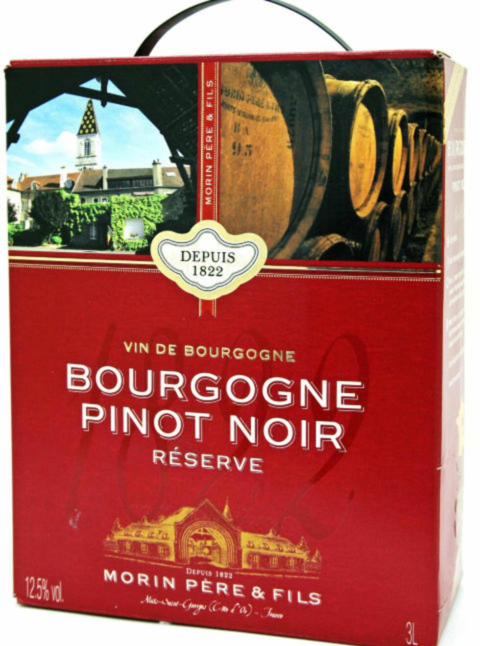 SEKSER PÅ KARTONG: Morin Bourgogne Pinot Noir Réserve 2009.