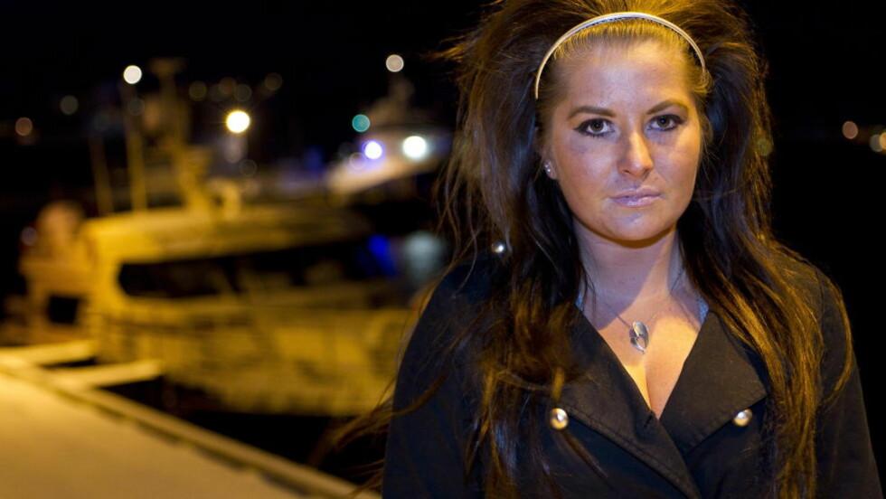 <strong>I SORG:</strong> Charlotte Marie Strømme (19) sendte meldinger til en av de overlevende, og ble lettet da hun fikk svar om at hun var i god behold og trodde at resten også var i godbehold. Så kom sjokkmeldingene. Foto: Ole Morten Melgård/Dagbladet