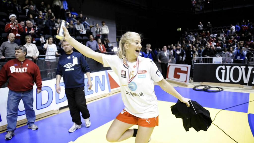 I SUPERSLAG I GÅR: Linn Jørum Sulland scoret 12 da Larvik vant med ni i Russland i går kveld. I dag ble de klare for semifinalene. Foto: Aleksander Andersen / Scanpix