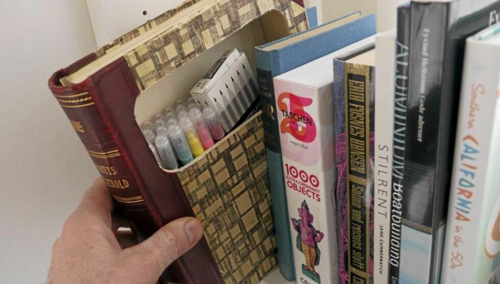 SMART OPPBEVARING: Fyll opp bøkene med småting. FOTO: Øivind Lie