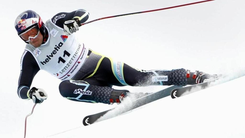 TILBAKE I SLAG: Etter elendige renn i Kvitfjell lyktes Aksel Lund Svindal i Sveits i dag. Foto: EPA/ARNO BALZARINI