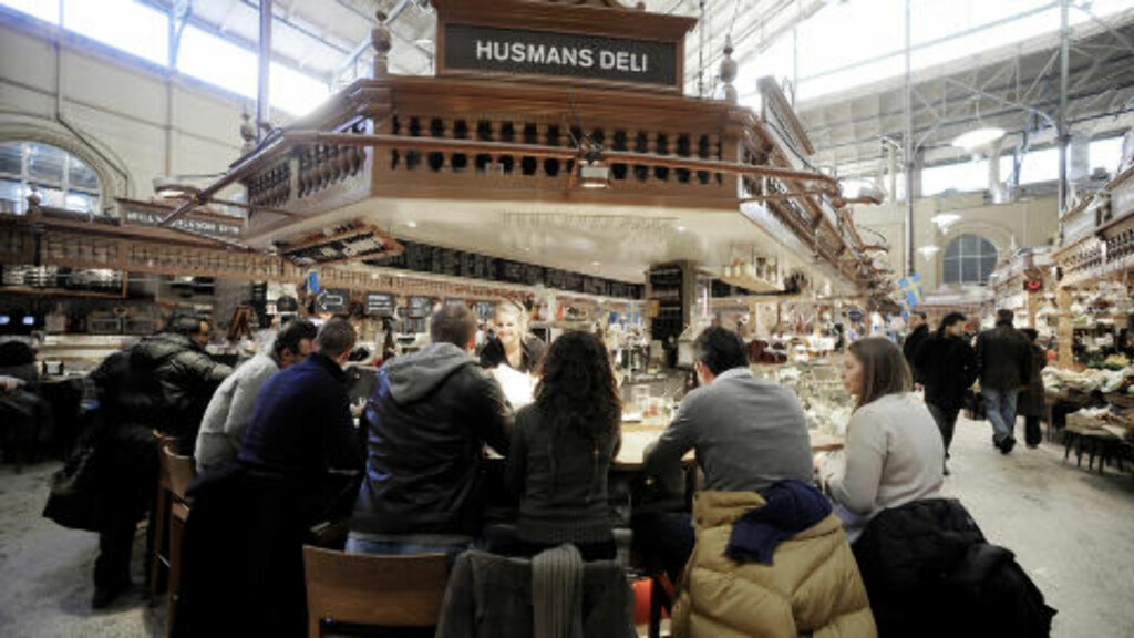 LØRDAGSBRUNSJ:  Her er det både matutsalg og spisesteder, spesielt populært lørdager.  Foto: John Terje Pedersen/Dagbladet