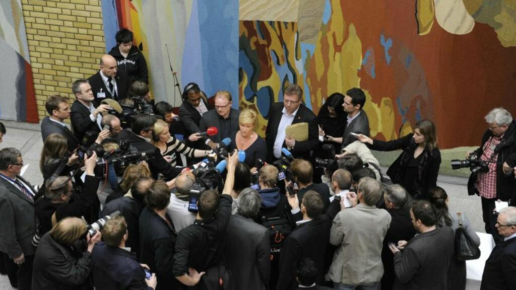 STÅR TIL STRYK: Omdømmeekspertene mener Frp har fått saken til å dreie seg om partiet, i stedet for en politiker fra partiet. Her fra dagens pressekonferanse. Foto: John T. Pedersen/Dagbladet