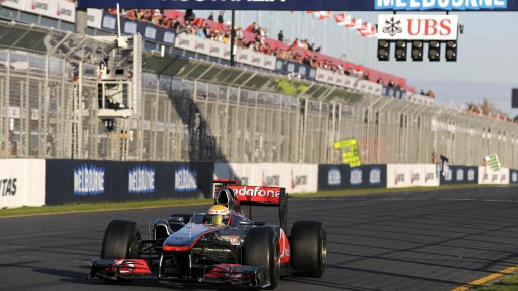 VANT SESONGÅPNINGEN: Tittelforsvarer Sebastian Vettel vant Australias Grand Prix i formel 1 søndag.  Foto: EPA / MARTIN PHILBEY / Scanpix