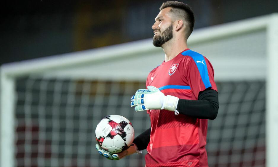 I HARDT VÆR: Keeper Tomas Koubek kom med kontroversielle uttalelser etter en ligakamp i Tsjekkia nylig. Foto: Thomas Eisenhuth / DPA / NTB Scanpix