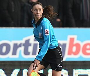 FIKK STYGGE KOMMENTARER: Premier League-assistent Sian Massey har tidligere opplevd å få stygge kommentarer etter seg. Foto: NTB Scanpix