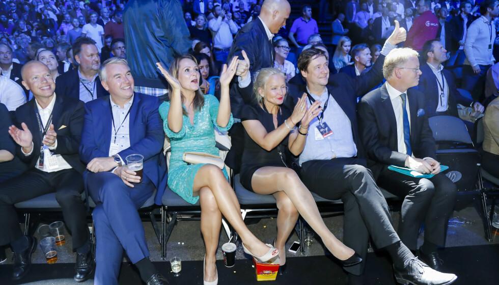 AKTIV IDRETTSMINISTER: Linda Hofstad Helleland; her som entusiastisk boksetilskuer, er blitt visepresident i Verdens Antidopingbyrå (WADA). Er det riktig å ha en norsk kulturminister i den posisjonen når det kan påvirke saker som for eksempel den pågående mot Therese Johaug? FOTO: Heiko Junge / NTB scanpix.