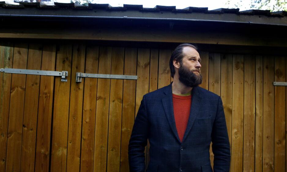 NY STIL: Stein Torleif Bjella & Co. har lagt seg i et røffere og mørkere musikalsk stemningsleie, mens tekstene som vanlig holder meget høyt nivå. Foto: Kristin Svorte / Dagbladet