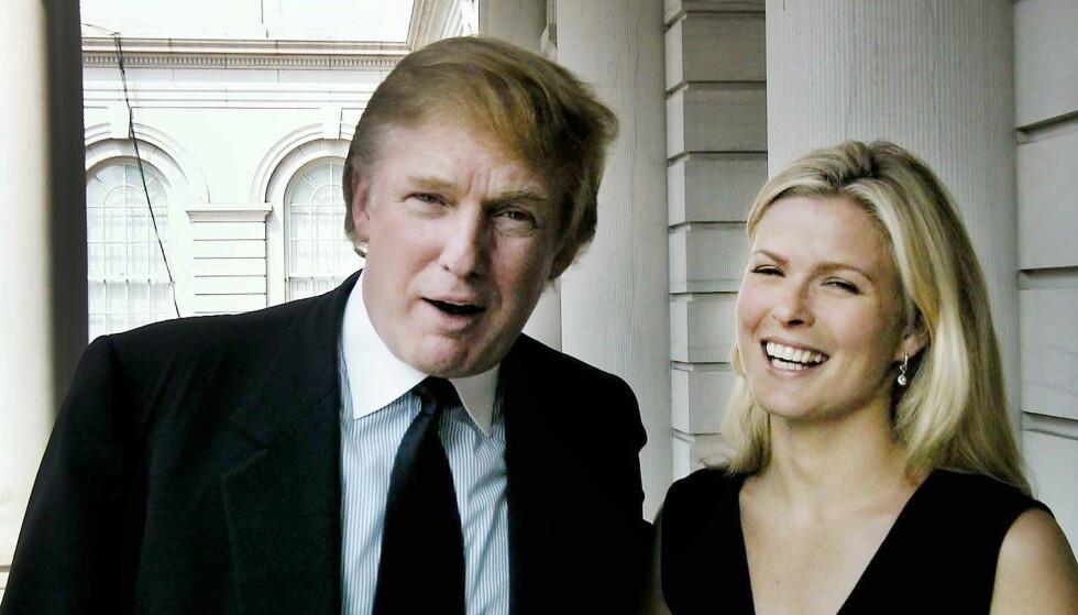 TRUMP OG VENDELA: Donald Trump og Vendela Kirsebom avbildet sammen i New York i 1999, da de ledet et gigantisk moteshow fra Times Square sammen. Foto: Anne Thurmann-Nielsen / Dagbladet