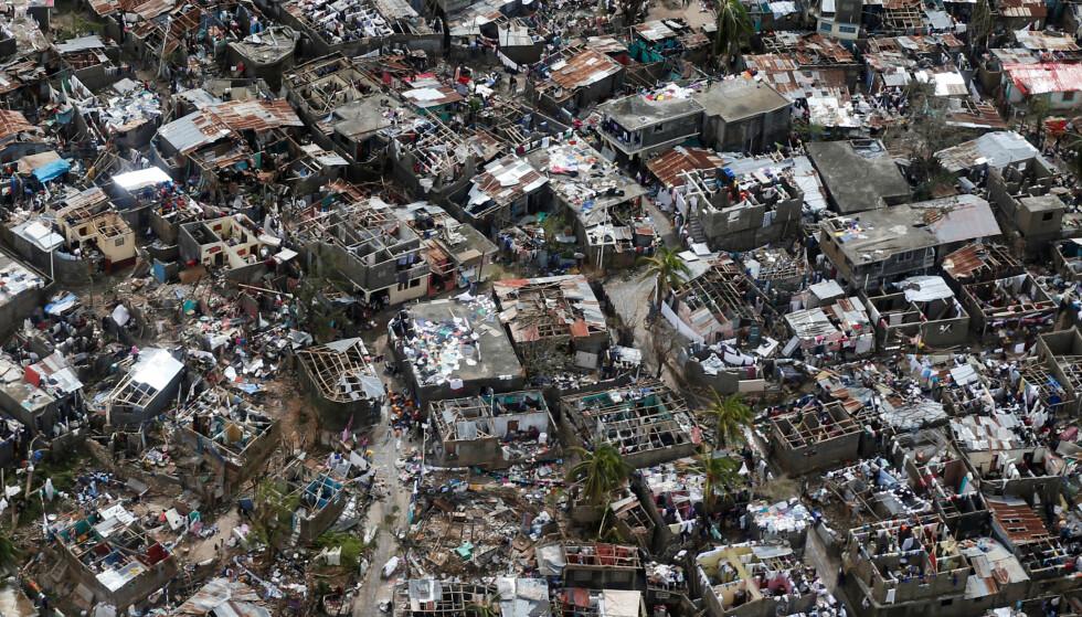 I RUINER: Byen Jeremie ble hardt rammet av stormen Matthew. Foto: REUTERS/Carlos Garcia Rawlins TPX IMAGES OF THE DAY