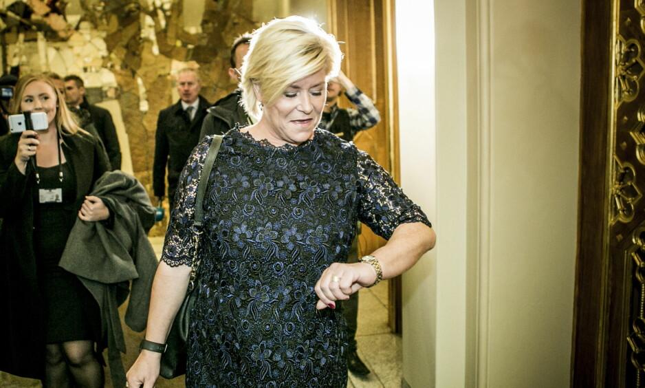 PÅ TIDE Å AVSLUTTE FESTEN? Finansminister Siv Jensen sier oljefesten er over. Foto: Christian Roth Christensen / Dagbladet