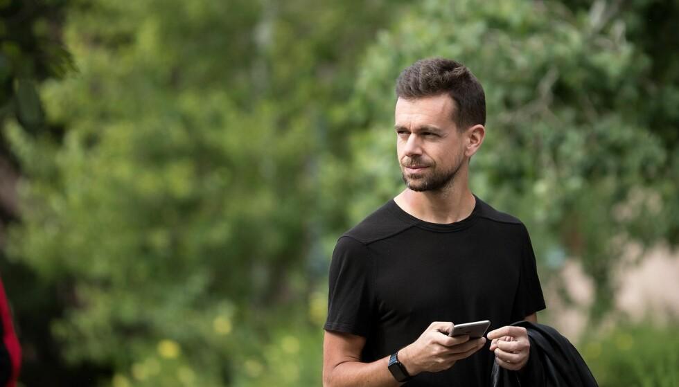 GRUNNLEGGER: Jack Dorsey, grunnlegger og adm. direktør i Twitter, fotografert i Sun Valley, Idaho, i juli. Hver sommer møtes noen av de mest velbeslåtte og mektigste folkene innen media, finans, tekonologi og politikk til en ukelang konferanse her. Foto: Getty Images / AFP / NTB Scanpix
