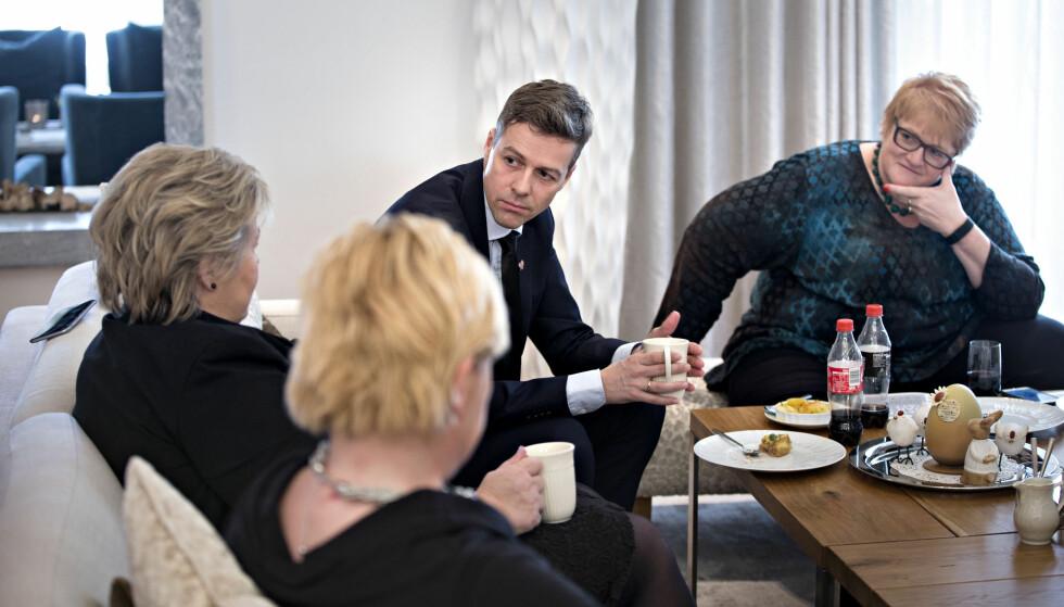 STEILE FRONTER: Regjeringen og støttepartiene står overfor vanskelige budsjettforhandlinger med steile fronter. Her fra et tidligere møte i statsministerboligen, fra venstre Erna Solberg, Siv Jensen, Knut Arild Hareide og Trine Skei Grande.