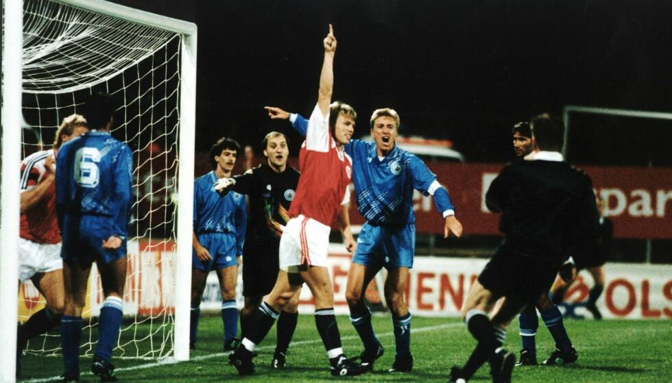 LITE INTERESSE: I 1992 var det kun 6511 tilskuere som så Gunnar Halle og Norge slå San Marino 10-0 på Ullevaal. Foto: NTB Scanpix