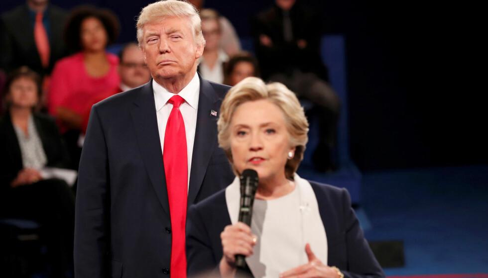 VILLE SETTE UT CLINTON: For å sette ut Hillary Clinton under den andre debatten natt til mandag, ville Donald Trump plassere fire kvinner som alle anklager Hillarys ektemann, Bill Clinton, for å ha misbrukt dem seksuelt, på forhøyede seter. Trump-leiren ble stoppet av debatt-arrangøren. Foto: Reuters / NTB Scanpix