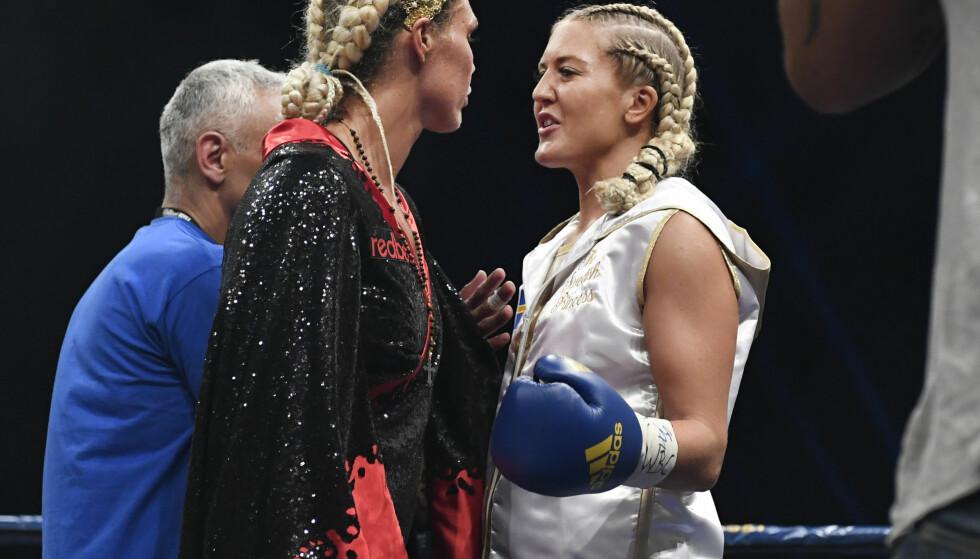 NULL TRO: Mikaela Laurén (t.v.) tapte mot Klara Svensson tidligere i høst - og har null tro på Svensson i kamp mot Cecilia Brækhus. Foto: Jessica Gow / TT