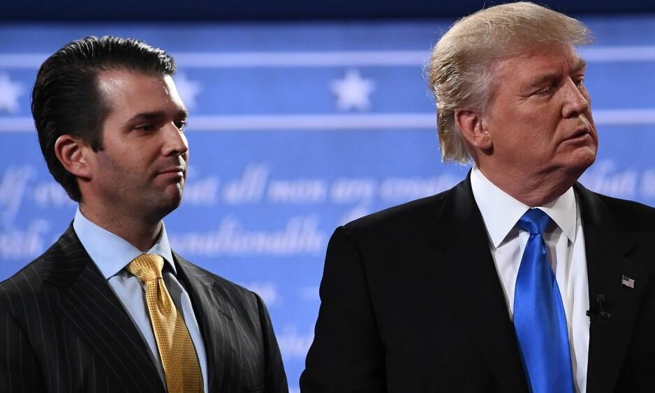 FAR OG SØNN: Donald Trump jr. sammen med faren sin Donald Trump rett etter høstens første debatt mellom presidentkandidatene på Hofstra University i Hempstead, New York 26. september. Foto: NTB Scanpix