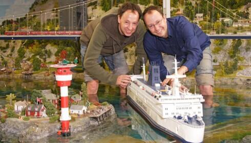 SKANDINAVIA: Tysklands mest populære turistattraksjon, Miniatur Wunderland, har en egen seksjon viet Skandinavia. Her seier det 25 fjernstyrte skip på havet. Foto: Miniatur Wunderland