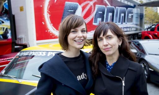 KVINNER BAK MANUS: Linn-Jeanethe Kyed (t.v.) og Anne Elvedal. Foto: Sveinung Ystad / Dagbladet