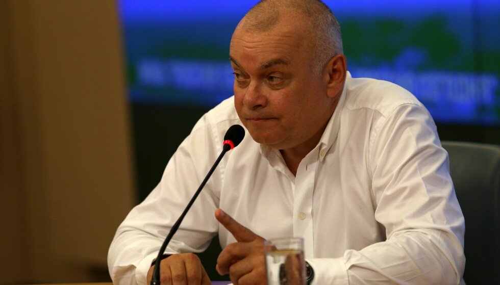 ADVARER USA: Dmitry Kiselyov, russernes propagandasjef, kommer med krasse advarsler til USA. Foto: AFP PHOTO / NTB scanpix