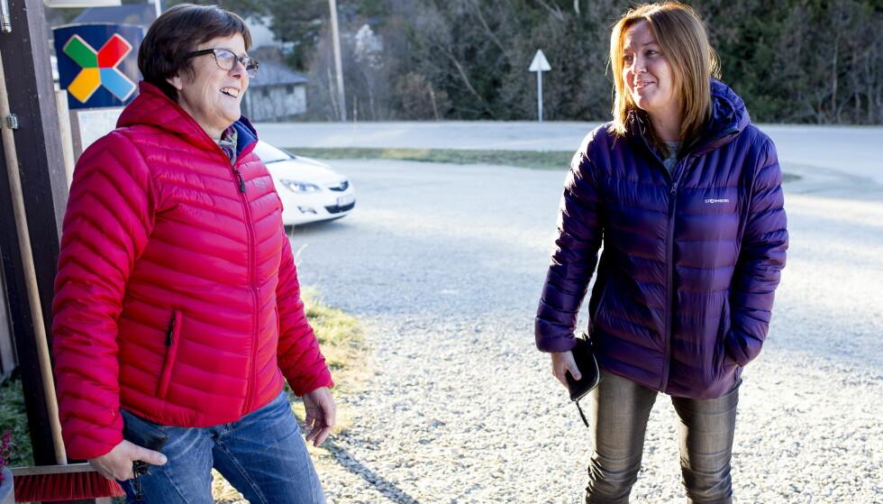 - EN KLEM: Marit Westmo og Toini Berg Brynhildsvoll (t.h.) ville også gitt Johaug en klem hvis hun var i Dalsbygda nå. Foto: Sveinung U. Ystad, Dagbladet