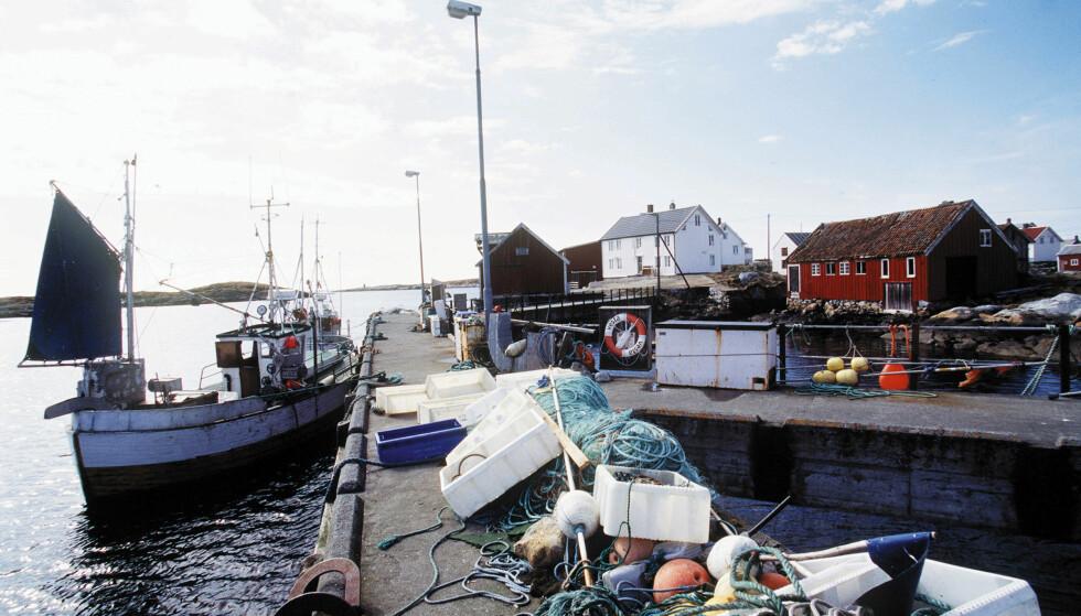 RIKE PÅ FISK: Frøyværingene kan i hovedsak takke fiskerinæringen for den akkumulerte rikdommen i kommunen. Her fiskeværet Titran. Foto: Gorm Kallestad / NTB Scanpix