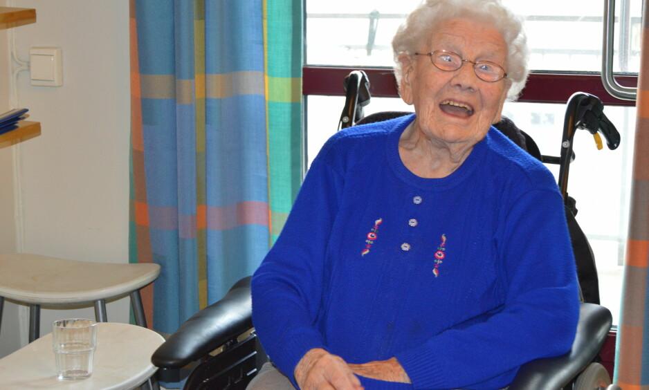 UT PÅ TUR: Søndag skal Tordis Bratseth ut i Trondheims gater for å samle inn penger til TV-aksjonen. Her er hun i sin rullestol på Buran helse- og velferdssenter.
