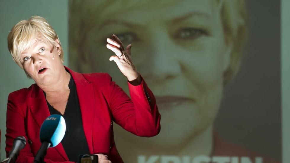 REAGERER: Kunnskapsminister skal nå granske heftene fra Kvitsun gymnas. Foto: Heiko Junge / NTB scanpix
