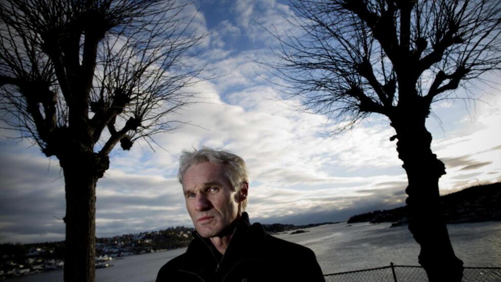 ENSOM: Asbjørn Røed er leder av narkotikaavsnittet i Arendal. Han hadde 650 saker i fjor. Foto: Tomm W. Christiansen