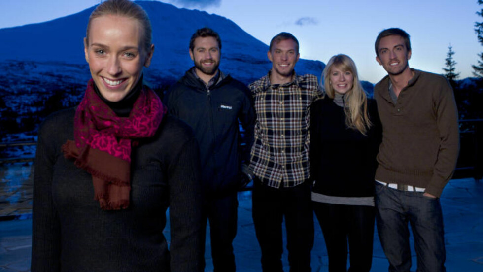 PROGRAMLEDER: Katarina Flatland er programleder av «Sønner av Norge». Her er hun sammen med deltakerne Erik Ingemar Koland, Turner Jacobs, Rachelle Rude og David Johnson. Foto: www.toellefsen.com/TV2