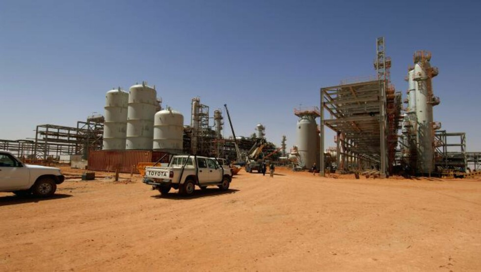 STORMET: Gassanlegget In Aménas i Øst-Algerie ble i går stormet, og flere titalls personer, hvorav 9 nordmenn, ble tatt som gisler. Foto: KJETIL ALSVIK / AFP / NTB SCANPIX