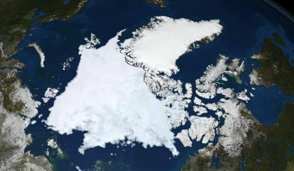 SNARVEI: En tverrfaglig forskergruppe i Tromsø skal bruke fire år og mer enn 25 millioner kroner på å se på utfordringer og mulighetene med økt skipsfart mellom tre kontinenter, der Arktis blir en distansesparende korridor. Foto: REUTERS/NASA/Goddard Space Flight Center Scientific Visualization Studio/NTB Scanpix