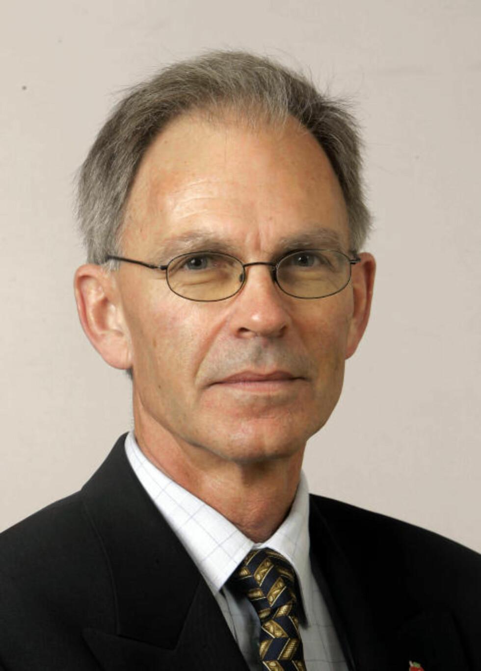 KOSMISK STRÅLING:  Stortingsrepresentant Arne Sortevik, vil legge CO2-basert klimapolitikk til side. Han mener solen og kosmisk stråling styrer klimaet på jorden. Foto: Knut Falch/SCANPIX