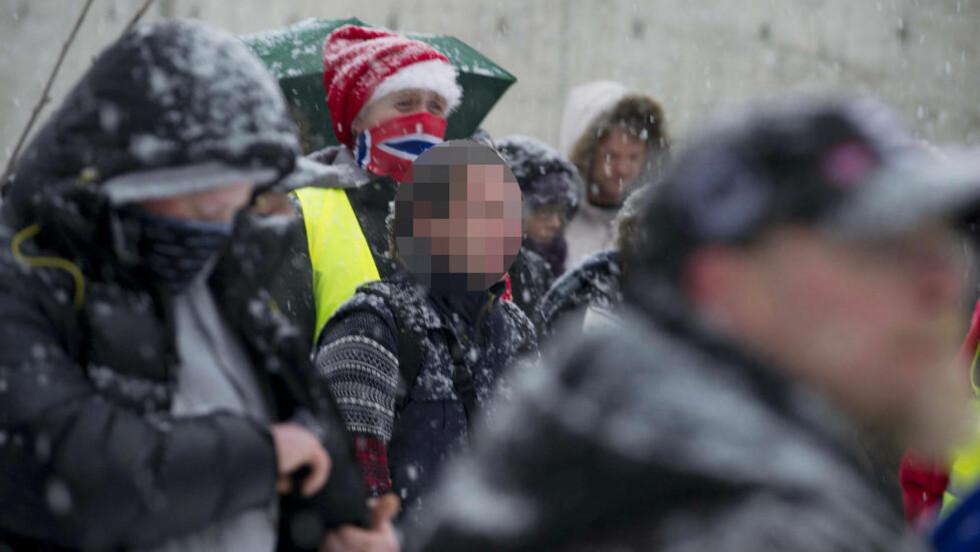 DEMONSTRERTE: Den trusselsiktede 27-åringen ble fotografert av Dagbladet da han 15. desember i fjor deltok på en antiislamistisk demonstrasjon i Oslo i NDL-regi. Foto: ØISTEIN NORUM MONSEN