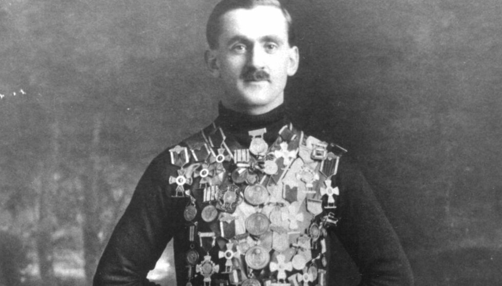 LEGENDE: Oscar Mathisen satte 14 verdensrekorder, han har statue av seg selv ved Frogner stadion, og han var en av våre første skikkelige sportsstjerner. Men livet hans endte i tragedie. Foto: NTB Scanpix