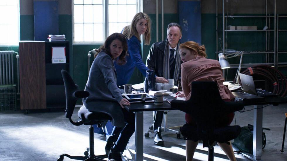 FRA SKJERM TIL BOK:  Den danske tv-serien «Borgen» er først blitt vist som tv-serie. Nå blir romanen lansert, som er basert på seriens manus.  Foto: DR
