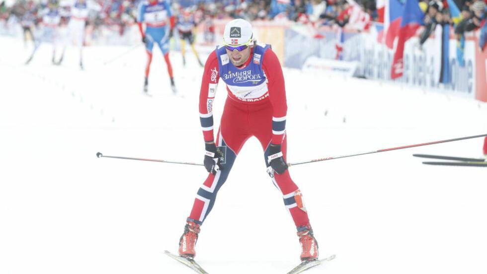 MEDALJEN GLAPP: Petter Northug mistet kontakten med teten den siste kilometeren før mål, og klarte aldri tette luka til topp tre. Foto: Bjørn Langsem/Dagbladet