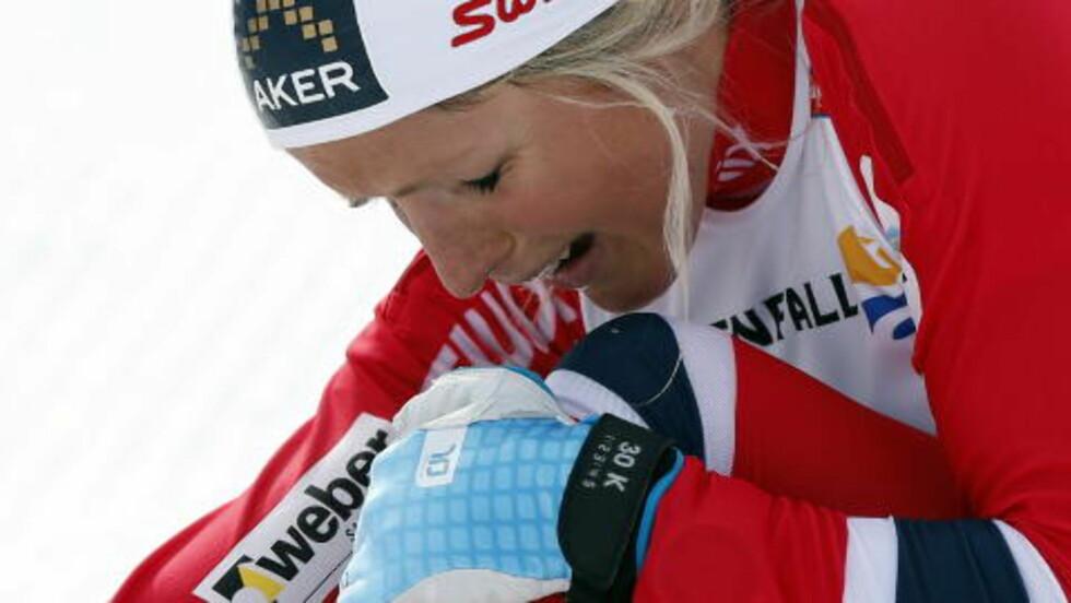 <strong>MYE FØLELSER:</strong> Therese Johaug både jublet, gråt og hylte etter seieren på 10 kilometer.  Foto: Lise Åserud / NTB scanpix