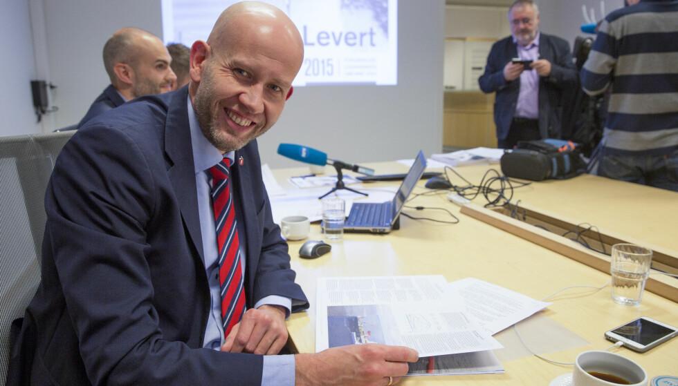 Strekker ikke til: Olje- og energiminister Tord Lien (Frp) mener å basere seg på kunnskap og fakta, men strekker ikke til, ifølge innleggsforfatteren. Foto: Jan-Morten Bjørnbakk / NTB scanpix