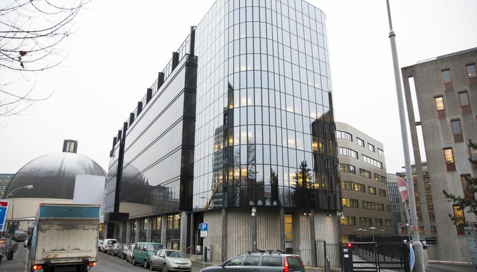 KRITISERES: Politidirektoratet og undervirksomheten PIT har økt kraftig siden regjeringsskiftet. De har også økt konsulentbruken, mye på grunn av IKT-løftet som er i gang i politiet. Bildet viser direktoratets lokaler på Majorstua i Oslo. Foto: Torstein Bøe / NTB scanpix