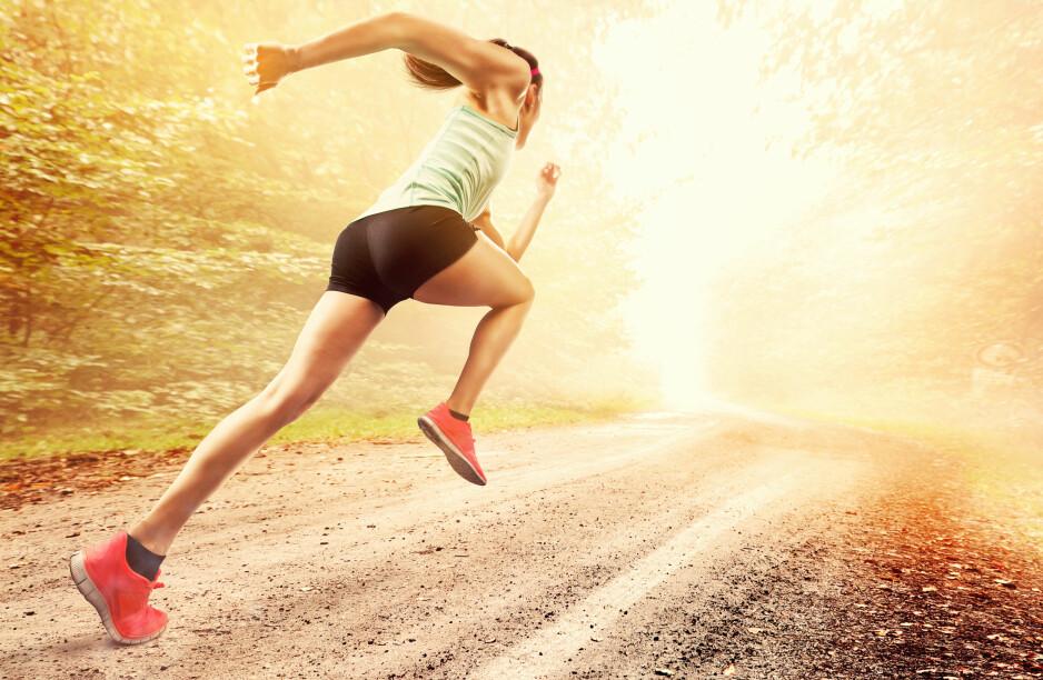 UT OG LØP: Du trenger ikke løpe langt for å oppnå bedre kondisjon. Noen økter på 20-30 sekunder holder - men da må du til gjengjeld spurte skikkelig. Foto: NTB Scanpix / Shutterstock