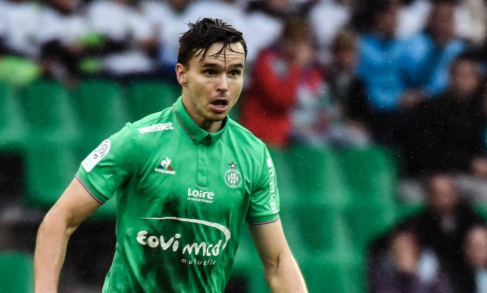 "KOM INN: Ole Selnæs fikk de siste sju minuttene som innbytter da Saint-Étienne spilte 1-1 mot Lille i fransk Ligue 1 fredag.  Foto:&nbsp;<span style=""background-color: initial;"">AFP PHOTO / JEFF PACHOUD</span>"